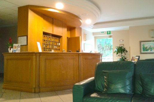 Lobby und Rezeption der Villa Maria