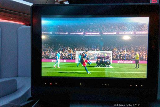 Sicherheitshinweise bei Qatar Airways  durch Piqué, Neymar, Messi und Co
