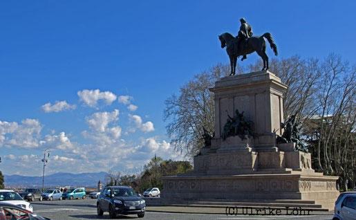 Piazzale Garibaldi mit seinem Reiterstandbild
