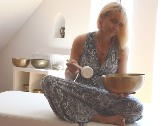 Anna Avramidou, SOM - Soundof Mantra, Gong - Stimme - Seelenklang