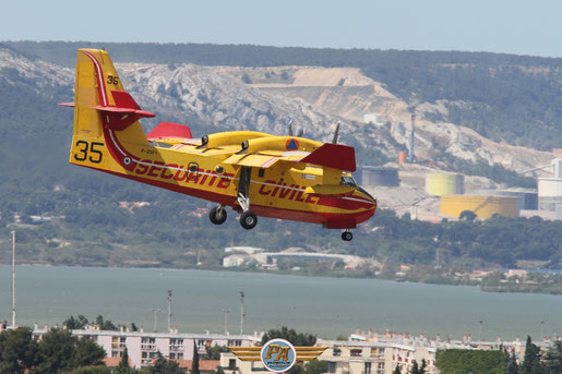 Photo 7:CL-415 à l'atterrissage - Marignane 2014