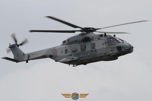 Photo 9:NH-90 Caïman - Rennes 2012