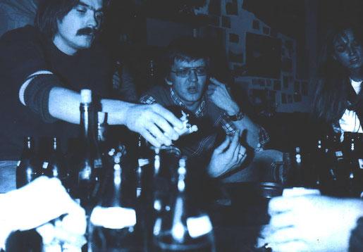 Szene Oberschwaben: Der junge Winfried Kretschmann tummelt sich im Umfeld der Riedlinger Band Power Play. Den heutigen Ministerpräsidenten von BaWü zog es damals jedoch mehr in die Politik. Foto: Joachim Schlegel