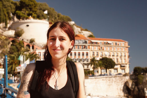 Blogger in Nizza traveling with language barriers in France