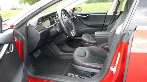 Tesla Model S 85 Innenraum