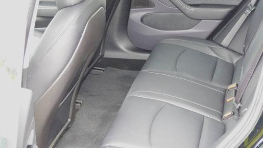 Tesla Model 3 Rücksitze