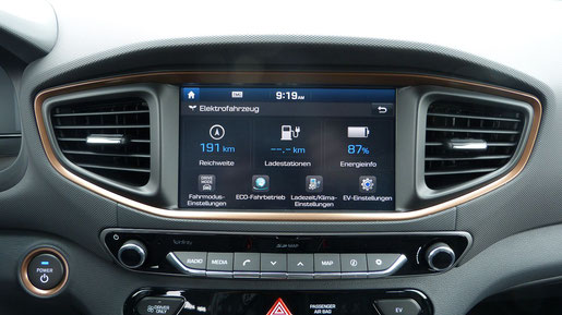 Touchscreen und Bedienungselemente des Hyundai Ioniq Electric