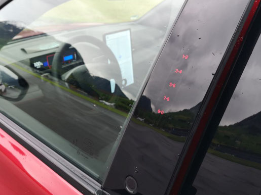 Ford Mustang Mach-E Vordertüre mit Entriegelungsknopf und PIN Ziffernfeld