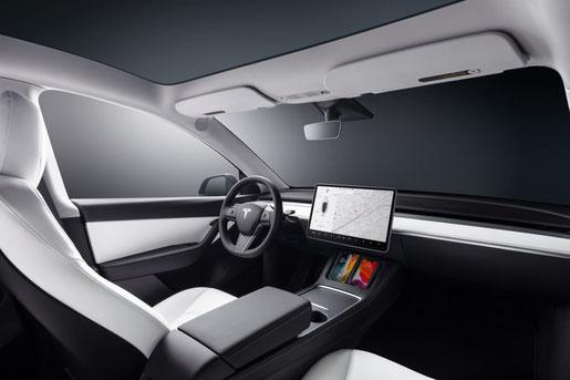 Tesla Model Y weisses Interieur