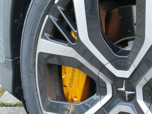 Polestar 2 - 2'-Zoll Reifen und Performance-Bremsen