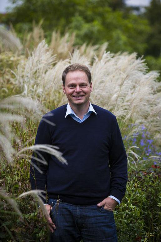 Professor Cassian Schmidt ist Landschaftsarchitekt und Staudengärtnermeister.