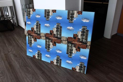 _red harbor_ Hamburg / Elbe: z.B. Motiv auf Leinen im Format 80 x 115 cm. Foto (c)Anka Blank