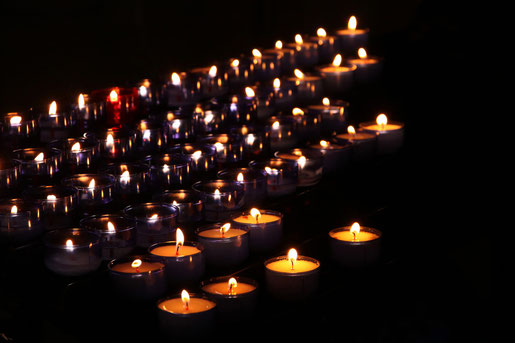 gedenkkerzen von Kristina Rütten 2 April 2020  Bild ID 3166892  Lizenz ID 5756086