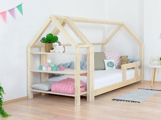 Bett mit Regal   Hausbett