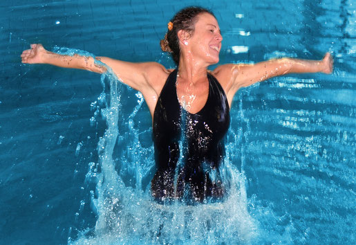 Damaris Dändliker - Trainerin aquafit, aquawell, Aqua Zumba, Aqua Cycling, Spinning, Everdance, Wellness