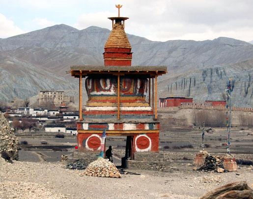 Tsarang, sa port, son monastère et sa bibliothèque