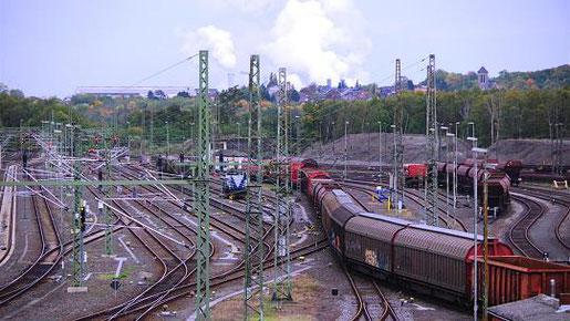 Gemeinsam wollen Kommunen und Wirtschaft den Euregio Railport als modernes Logistikzentrum und Hinterland-Terminal der Nordsee-Häfen entwickeln. Foto: J. Lange