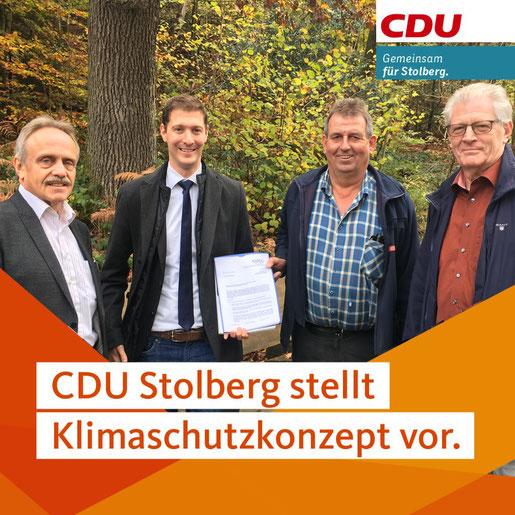 Bildunterschrift: Siegfried Pietz, CDU-Partei- und Fraktionsvorsitzender Jochen Emonds, Heinz-Gerd Braun und Hans-Gerd Emonds bei der Vorstellung des Klimaschutzkonzeptes der CDU-Stolberg vor.