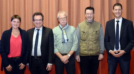 Beate Lang (v. l.) übernimmt den OV-Vorsitz von Fritz Thiermann, ihre Stellvertreter sind Bernd Stickeler und Michael Thomas (nicht im Bild), Rainer Zartmann ist neuer Geschäftsführer, und Jochen Emonds gratuliert dem neuen Vorstand. Foto: D. Müller