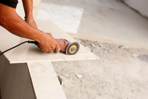 Steve's Roofing and remodeling has extensive experience installing all sorts of ceramic tile. From stone, clay, terrazo, metal and quartz along with non-glazed porcelain tile and glazed porcelain tile, residents in the Newnan area can get what they want.
