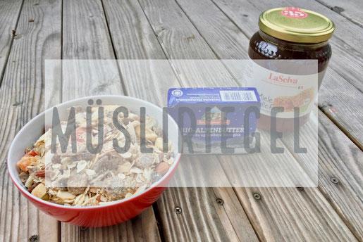 Müsli, Müsliriegel, Honig. Butter, selbstgemacht, Variation