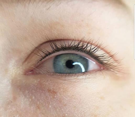 Permanent Make up Augen, Wimpernkranz-Verdichtung am Ober- oder Unterlid