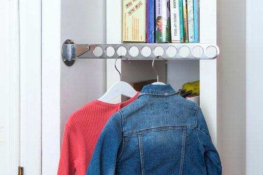 Un porta corbatas lo utilizamos para dejar la ropa preparada para el día siguiente - AorganiZarte
