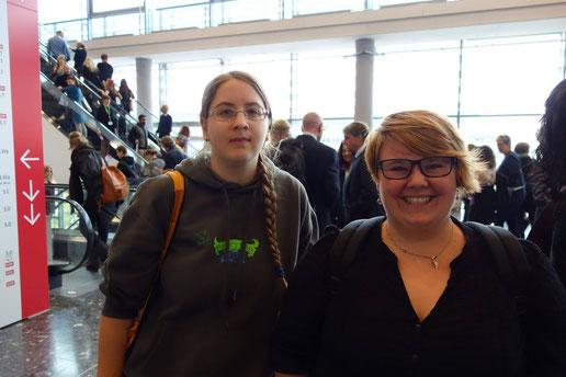 Die Leseratten Julia und Sabrina :)