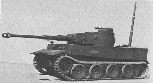 Présentation du prototype du char Tigre de Henschel avec son schnorkel de série