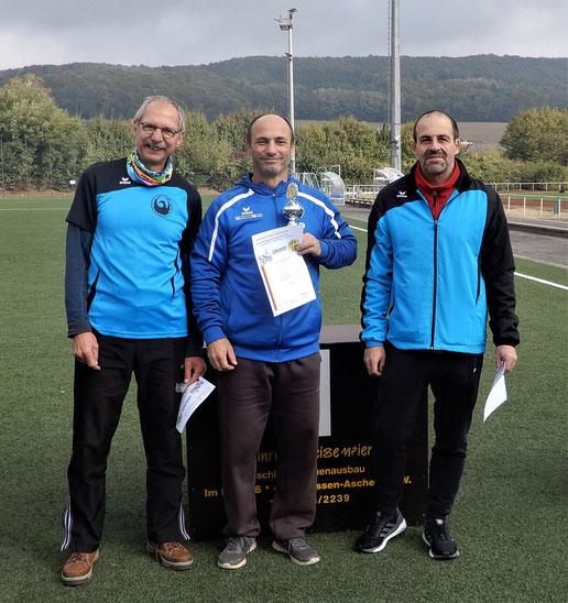 Bernhard Grißmer, Franz Pauly und Stefan Münch (von links) - das erfolgreiche M-50-Team!