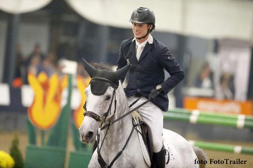 Sjaak Sleiderink op Esmee. Foto FotoTrailer