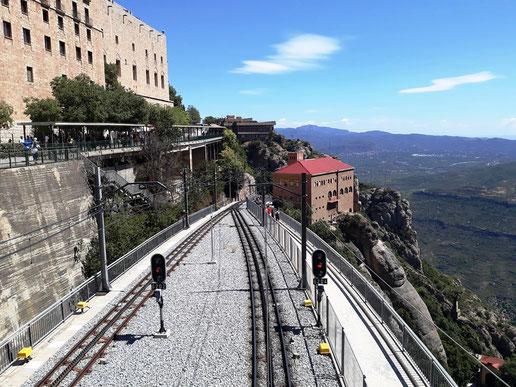 Экскурсии на гору и в монастырь Монсеррат