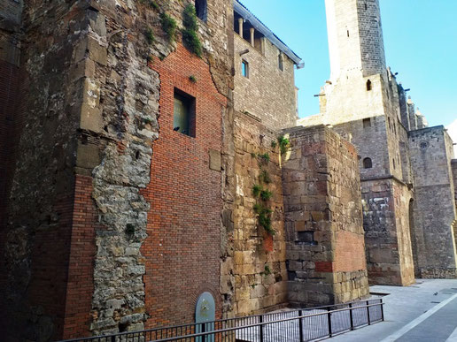 Крепостные стены Барселоны - пешеходные экскурсии по Барселоне