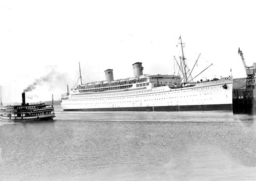 1930S ; SS MONTEREY MOORED IN SYDNEY