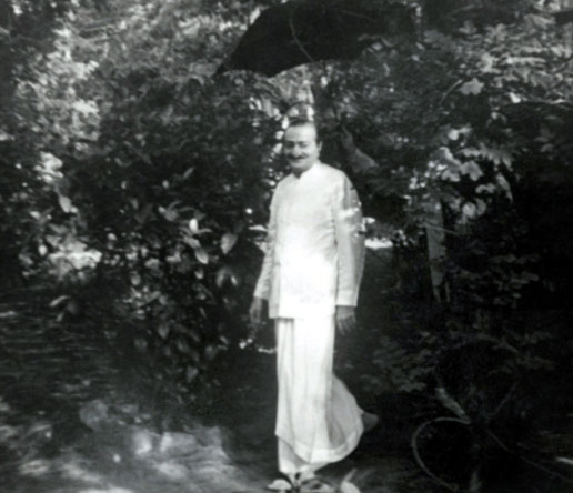 1952 : Meher Baba at the Meher Center at Myrtle Beach, SC.