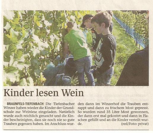 17.10.2015 Kinder lesen Wein (WNZ)