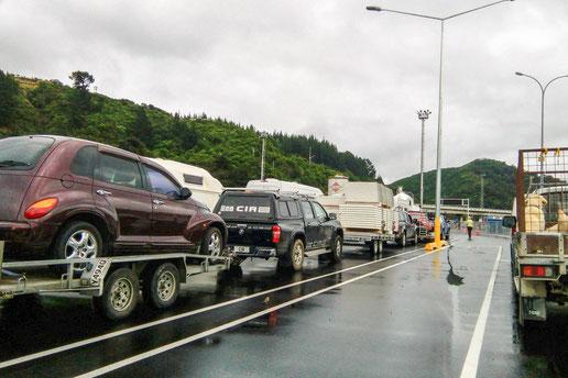 Warten auf die Fähre zwischen Süd- und Nordinsel Neuseelands