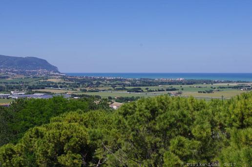 Blick Richtung Meer von Loreto aus