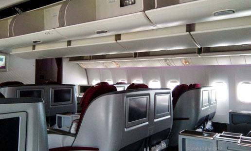an Bord der Boeing 777LR von Qatar Airways
