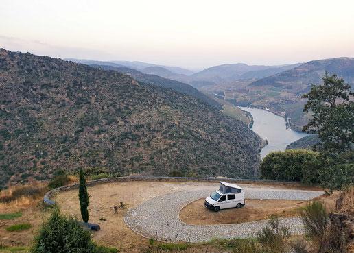 Übernachtung mit Blick auf den Douro (C) Bullitour