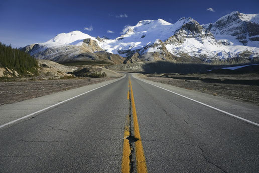 Icefields Parkway, Rocky Mountains, Canadian Rockies (C) Tourism Jasper