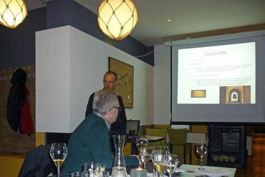 der Sherry-Botschafter bei seinem Vortrag
