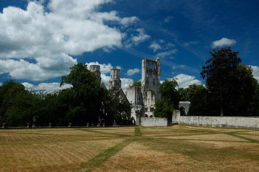 Abtei de Jumièges, Normandie, lonelyroadlover