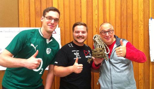 V.l.n.R: Maxi Lüke (FBMZ), Yannick Schneider(FBMZ), 'Charly' Alt(Sportbund),