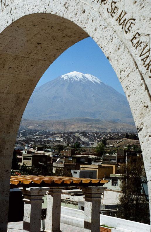 Die Besichtigung von der schönen Stadt Arequipa sollte auf Ihrer Peru Reise nicht fehlen