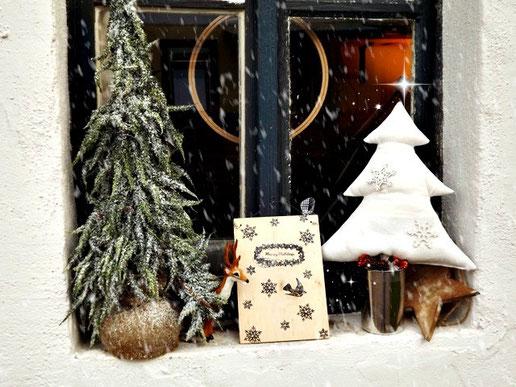 fensterdeko weihnachten,fensterbild weihnachten,selbstgenäht weihnachten,diy weihnachten,diy weihnachtsdeko