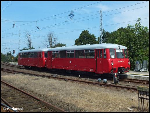 Am 24. Juli 2014 standen 172 601-7 und 172 001-0 im Bahnhof Warnemünde