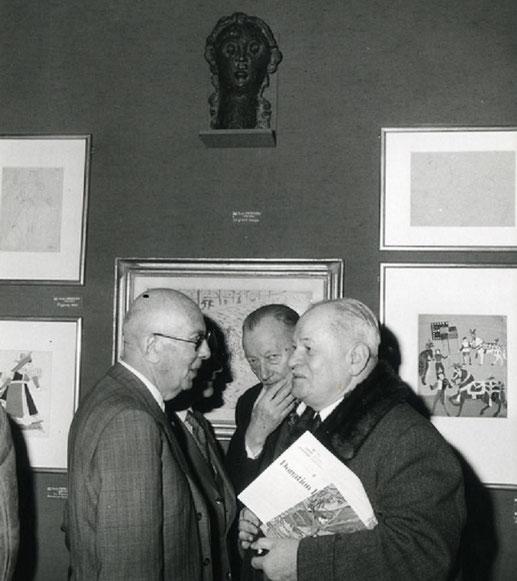 1976. Pierre L. et René HUYGHE le jour de la signature de la  Donation P. et D. LEVY