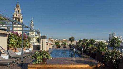 Отличные четырехзвездочные отели в Готическом квартале Барселоны