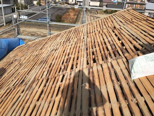 大垣市、墨俣町、安八町、瑞穂市、羽島市で屋根葺き替え工事中の屋根葺き替え工事専門店。墨俣町浅野で屋根葺き替え工事/下地作業中